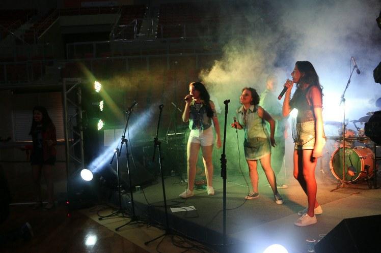 Festa das delegações ao som da banda IF Music, formada por estudantes do IFCE