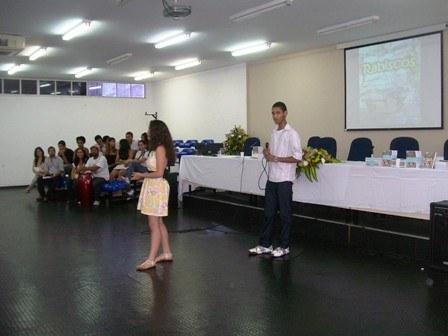 lancamento_da_coletanea_literaria_rabiscos_1_20110407_2040326643.jpg