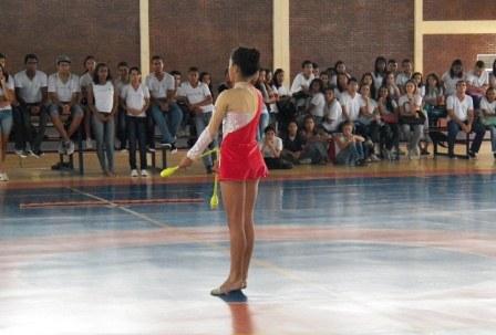 ginastica_ritmica_-_gymclub_1_20121017_1430557642.jpg