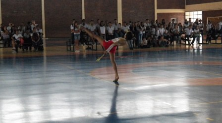 ginastica_ritmica_-_gymclub_3_20121017_2043557885.jpg